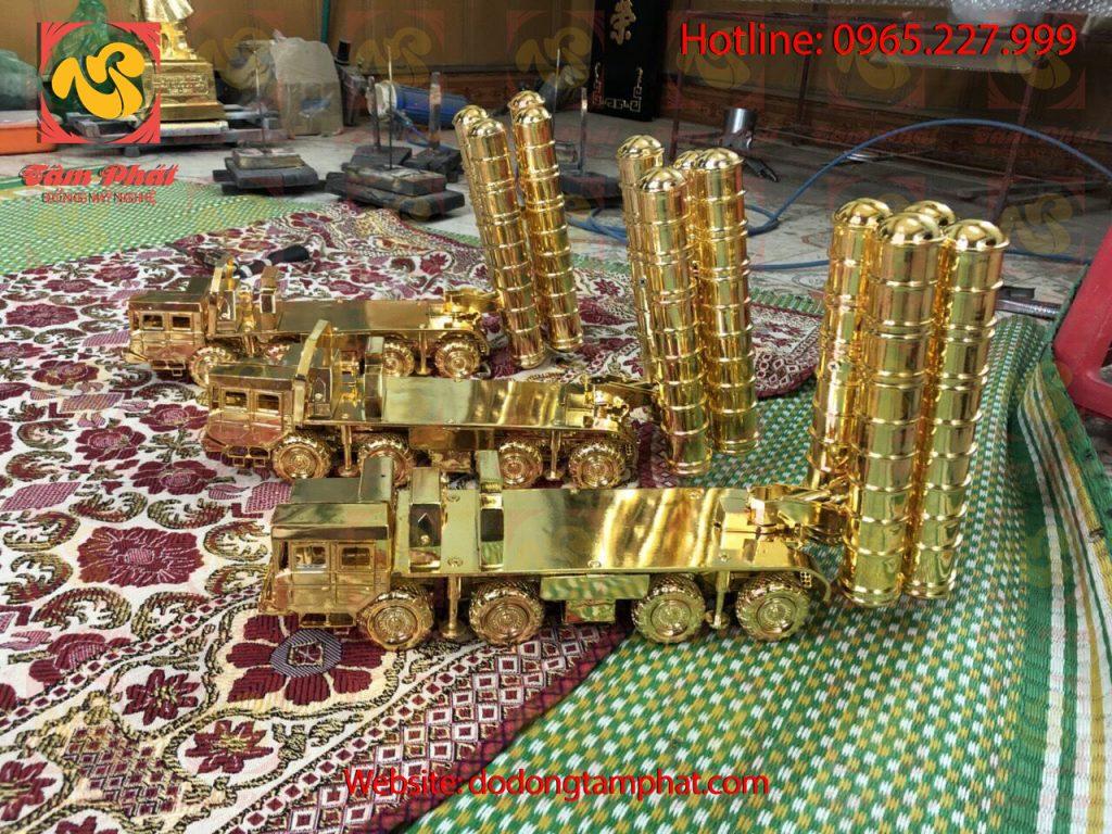 mo-hinh-xe-phao-bang-dong-ma-vang-24k-1