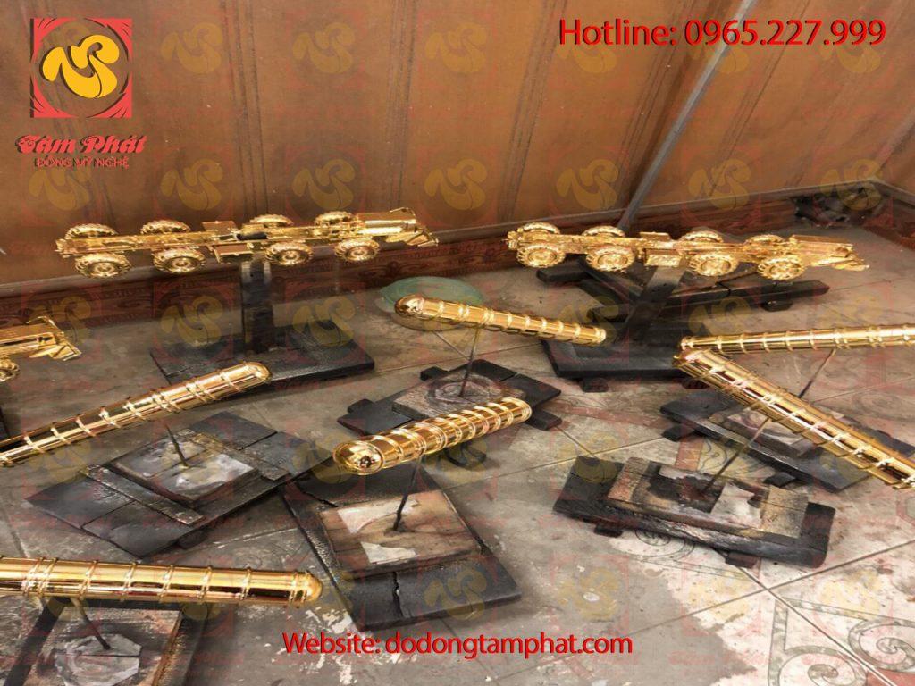 mo-hinh-xe-phao-bang-dong-ma-vang-24k-3